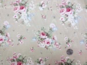YUWA モアレ花柄プリント モアレジャガードの生地にYUWAさん お得意のロココの花柄プリントです。 ダークレッド花柄/ベージュ地