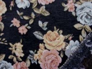 厚めのゴブラン織りの花柄 黒地