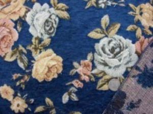 厚めのゴブラン織りの花柄 紺地