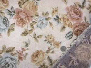 厚めのゴブラン織りの花柄 生成地