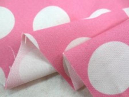 コットンオックスプリント 生成ドット/ピンク地 ショッキングピンクのような濃いピンク ドットの大きさ 40mm