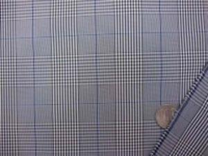タフタよりすこししっかりめの生地の ポリエステル 撥水加工  グレンチェック 黒 グレイに濃紺の細いライン チェックの大きさ 5.8cm