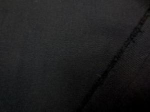 ツイル 2WAYストレッチ 黒 柔らかい風合いで、縦にも少し伸びます