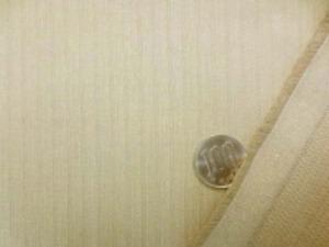少し厚手、でも柔らかい風合いの ヘリンボーンタイプのストレッチ ベージュ あまりのびません。 イタリー製