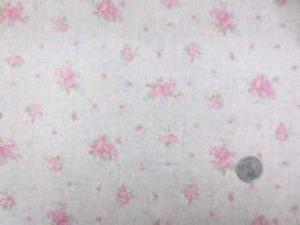 YUWA リネンレーヨンプリント ピンク小花/生成地 形態安定加工で、縮みにくくなってます。
