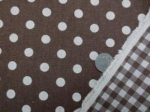 綿麻リバーシブルプリント ブラウン/生成 表面 直径1cmのドット 裏面 7mmのギンガムチェック