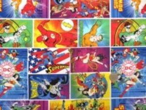 USA Camelot Fabricsの アメコミヒーローのプリントです。 スーパーマン バットマンなど いろんなヒーローがいて楽しい あまりお目にかからないUSAコットン シーティングプリント