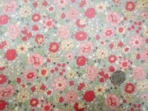 YUWA 綿麻キャンバス 花柄の ビニールコーティング  ピンク 濃ピンク/うすグレイ地