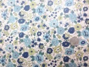 YUWA 綿麻キャンバス 花柄の ビニールコーティング  ブルー ネイビー/生成地