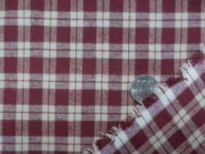 カントリーチェック  ワイン(ダークレッド)/生成 平織リのチェックの微起毛 柔らかい風合い チェックの大きさ 2cm