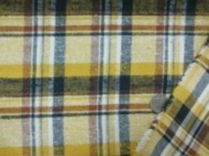 コットンビエラチェック オフ白 濃紺 ブラウンライン/黄地 マスタードイエロー 少しネップがあります。 表面のみ、少し起毛してます。 チェックの大きさ 7.5cm