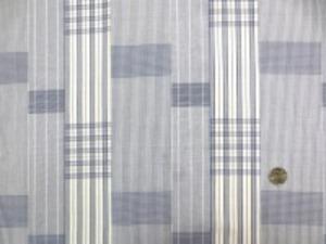 広幅でブロードくらいの厚さの チェックとストライプの パッチワーク調の織柄です。 ネイビー