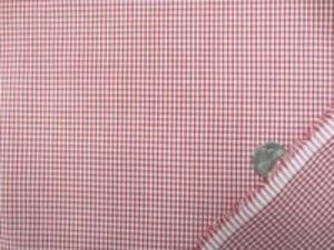 TC極小ギンガムチェック  赤 チェックの大きさ 1.5mm ノーアイロンでOK、エプロンなど 何にでも使えます。
