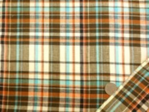 インド綿 マドラスチェック 手作りの素朴な風合い ナチュラルな粗っぽさが魅力 洗うほどにいい感じになります。 チェックの大きさ 15cm イエロー オレンジ 濃ブラウン エメ