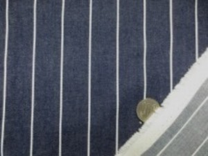 ヒッコリーストライプ  6.5オンスくらいの厚さ 白/濃紺 白部分の幅 1.5mm 濃紺部分の幅 24mm