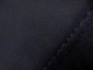 ウール ソフトメルトン2 濃紺 すごく濃い紺です。 あまり厚くないメルトンで、 扱いやすい柔らかい風合いです。