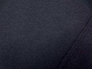 ウール ソフトフラノ 濃紺 すごく濃い紺です。 中肉の柔らかい風合い