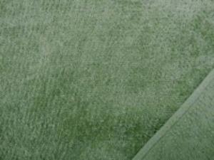 シャーリングタオル モスグリーン 普通のタオルのループをカット ふわふわして肌ざわりいいです。
