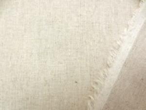 広幅の綿麻平織り 生成麻カラー ポプリンくらいの厚さです。 ナチュラルな感じで、使い易いです。 AS981より少ししっかりした感じ