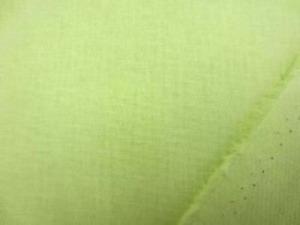 イエローグリーン 少し黄色がかった若草色 綿麻キャンバス  名前はキャンバスですが、そんなに 厚くなくて、使いやすい厚さです。