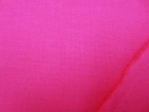 ローズ はっきりしたあざやかな濃いピンク 綿麻キャンバス  名前はキャンバスですが、そんなに 厚くなくて、使いやすい厚さです。