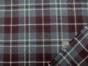 綾織りのウールチェック ダークグレイ/ダークワイン オフ白 濃紺ライン 柔らかい風合いのウール