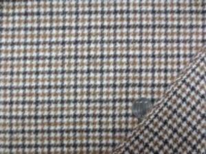 起毛ウールガンクラブチェック ブラウン 濃ブラウン/オフ白地 濃いマスタードっぽいブラウン 少し厚手でも柔らかい風合いの 少し表面を起毛したウールです。