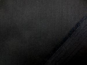 12オンスデニムくらいの ストレッチデニム 真っ黒 柔らかい風合いで、よく伸びます