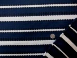 おもしろいドビーニット 濃紺/オフ白/黒 あまり伸びません。 濃紺部分の幅 3cmと2.5cm オフ白部分の幅 2cmと1cm