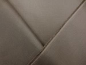 旭化成ベンベルグ ブラウンカーキ 標準の一番使いやすい平織り裏地。