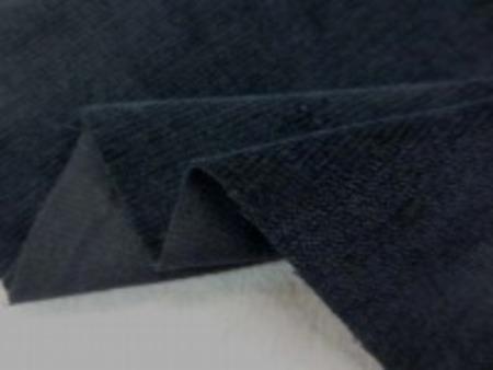 シャツコールよりも少し厚くて 中畝のコール天より薄い感じの 柔らかい風合いのシャツ別珍 黒 コール天の畝があまり目立たない カジュアルに使える別珍 別珍風合いのコール天です。 すごくいい風合いです。