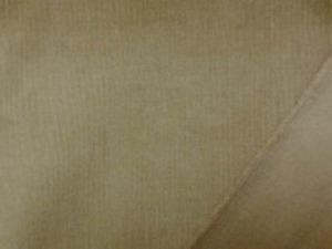 極細のコール天ストレッチ 少しカーキがかったモカブラウン 極細畝ですがシャツコールよりは 厚い生地です。 柔らかい風合いでよく伸びます 畝幅1mm