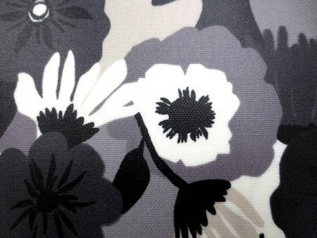 ラミネート 生地 FLOWERS グレイ モノトーン ビニールコーティング 110cm幅 [BN508]