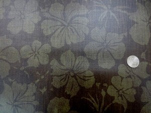 ラミネート 生地 ハイビスカス 濃ブラウン地 ビニルコーティング 110cm幅 [BN518]