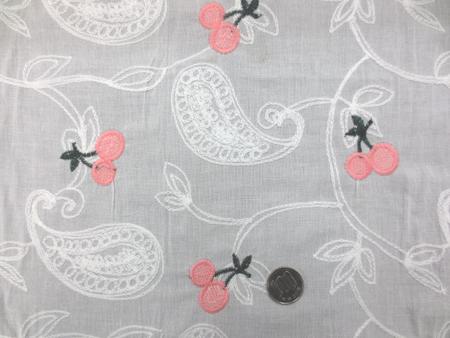 レース 生地 ローンレース エンブロイダリーレース オフ白 ピンクチェリー刺繍 143cm巾 [LA460]