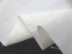 コットン 生地 ツイル オフ白 洗い加工 142cm幅 [SK392]