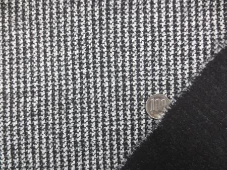 ニット 生地 イタリー製 リバーシブルニット 千鳥ライン 黒/白 125m幅 [JJ1447]
