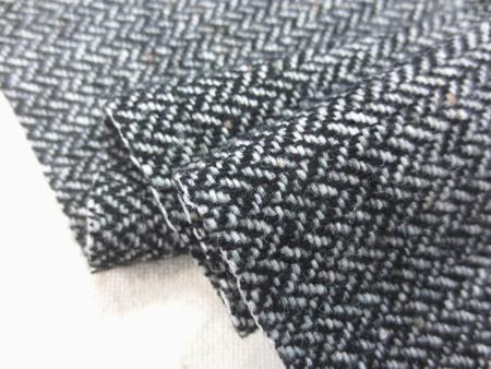 ウール 生地 ウール ヘリンボーン 黒/オフ白 144cm幅 [WO1201]