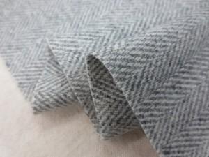 ウール 生地 ウール ヘリンボーン 杢グレイ/オフ白 136cm幅 [WO1202]